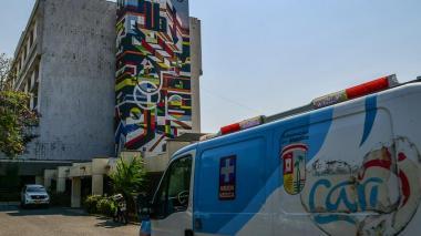 En un mes estarán listos dos UCI y dos quirófanos en el Cari: gobernador Verano