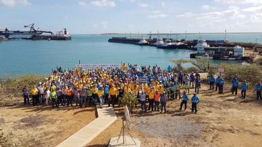 Trabajadores marchan en defensa del Cerrejón