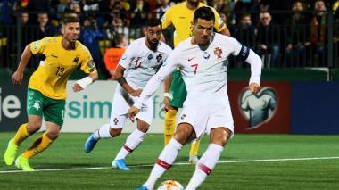 Póker de Cristiano Ronaldo en goleada de Portugal
