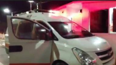 La ambulancia en el peaje de Rincón Hondo.