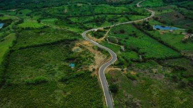 Vista aérea de la vía entre Paluato y Guaimaral.