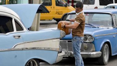 Jabón y cigarrillos escasean en Cuba por crisis de combustible