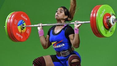 Leidy Solís levanta dos medallas de oro en Mundial de Pesas