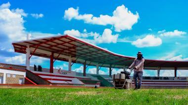 """""""Estadio de béisbol de Manatí cumple con normas técnicas"""""""
