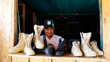"""Las botas """"made by"""" exFarc de un magnate gringo"""
