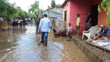 """En video   """"El agua se llevó todo a su paso"""", dicen damnificados de Ríofrío"""