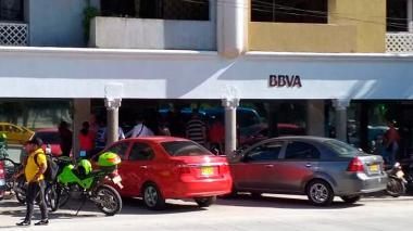 Roban banco BBVA en Santa Marta y se llevan aproximadamente $20 millones