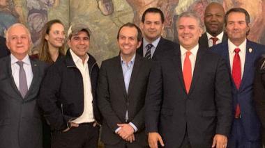 El presidente Duque y el alcalde Char, tras la reunión con los presidentes de Panam Sports y el Comité Olímpico.
