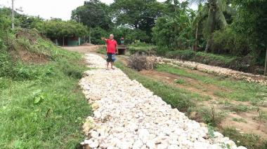 """Denuncian """"abandono"""" de obras de canalización en Luruaco"""