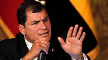 "Expresidente Correa pide adelantar elecciones en Ecuador ante ""grave conmoción social"""