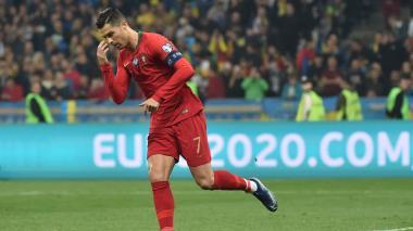 Ucrania se clasifica a la Eurocopa-2020 pese al gol 700 de Cristiano Ronaldo