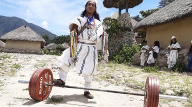 El Arhuaco que conquista el mundo 'levantando hierro'