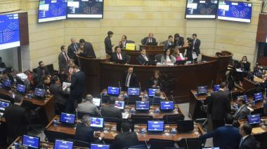 Parlamentarios durante debate sobre el Presupuesto.