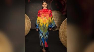 Mantas de papagayo fueron diseñadas para la vocalista de la banda Monsieur Periné.