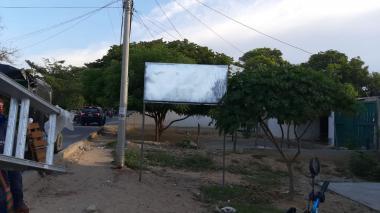 En Riohacha desmotan 80 vallas de candidatos