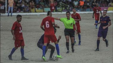 ¡A jugar se dijo!   Yendis Montalvo pone el orden en la Copa Súper Campeones