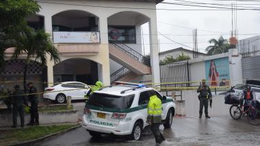 El atentado ocurrió en el centro comercial 93 al mediodía de este lunes, al norte de Barranquilla.