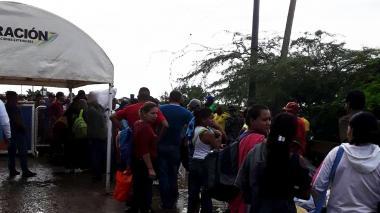 En video | Habitantes de Paraguachón inconformes con el puesto de Migración en el puente