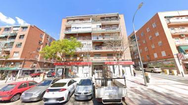 Edificio en la calle José del Hierro, en Madrid.
