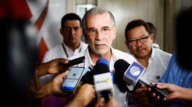 El gobernador Eduardo Verano, en rueda de prensa.