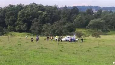 Avioneta aterriza de emergencia en el norte de Bogotá