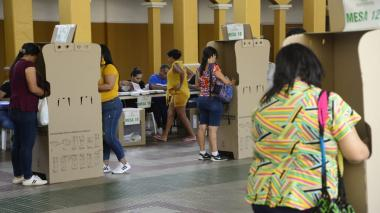Baja afluencia de votantes en el Instituto La Salle