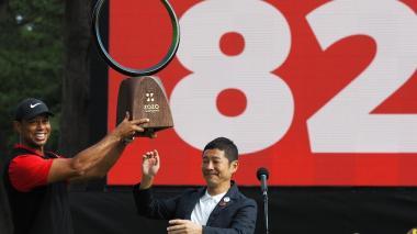 Tiger Wodds celebrando su título número 82 en el circuito PGA.