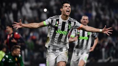 Cristiano Ronaldo celebrando el gol que le dio la ventaja a la Juventus.