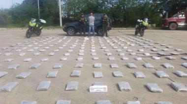 En video   En Córdoba sorprenden a conductor con varias cajas llenas de marihuana
