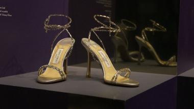 El museo Victoria and Albert en Inglaterra alberga la muestra titulada 'Zapatos: Placer y Dolor'.