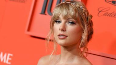 Antiguo sello de Taylor Swift dice que le permite cantar viejos éxitos por televisión
