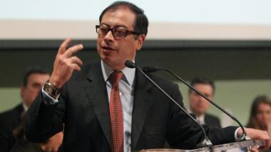 """FLIP rechaza comentario de Petro a periodista que ha """"desatado graves amenazas"""""""