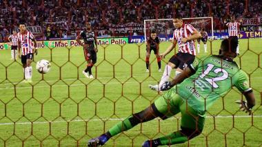 Penalti cobrado por Teófilo Gutiérrez, al minuto 73.