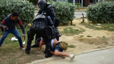 Flip rechaza retención de periodistas durante manifestación de estudiantes
