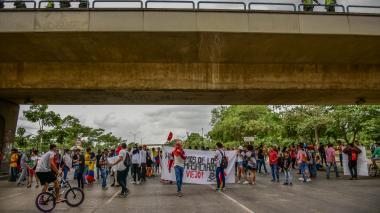 En video | 18 detenidos en protesta que bloqueó Circunvalar