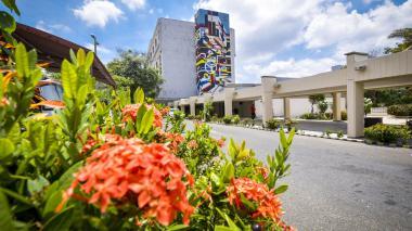 Fachada del Hospital Universitario Cari de alta complejidad.