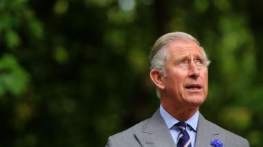 Carlos se alista para el trono como príncipe regente