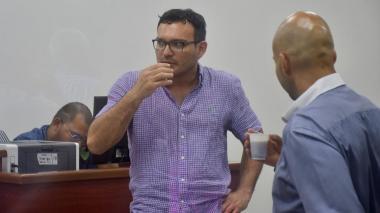 """Barraza """"faltó a la verdad"""" al no vigilar   a prestadores del PAE"""
