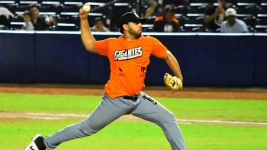El abridor barranquillero Nabil Crismatt debutó con los Gigantes cumpliendo una destacada actuación.