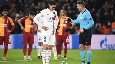 Cavani, por lesión, no viajará con el París SG a Saint Etienne