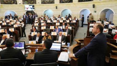 Uno de los debates en la plenaria del Senado de la República, al cierre del periodo legislativo.