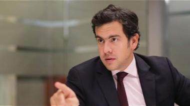 Senador Lara y Mininterior controvierten por eliminación de casa por cárcel para corruptos