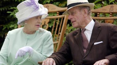 """Felipe, duque de Edimburgo, está hospitalizado """"por precaución"""""""