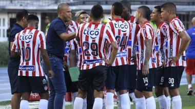 Roberto Peñaloza dirigió a Junior en varios partidos mientras Julio Comesaña estuvo sancionado.