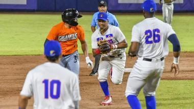 Acción de un juego entre Caimanes y Gigantes, el pasado 17 de noviembre.