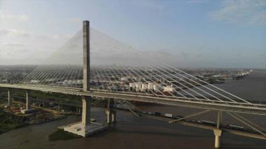 El nuevo Puente Pumarejo, sobre el Río Magdalena, tiene seis carriles.