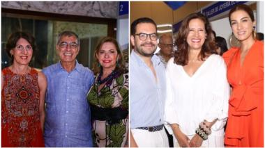 El alcalde de Cartagena, William Dau, entre Sonia Gedeón y Araceli 'Chica' Morales durante la apertura de Farex en el Centro de Convenciones de La Heroica. Seguidamente, el diseñador industrial Juan Pablo Socarrás, que participa con un stand, la gerente de Artesanías de Colombia, Ana María Fries, y la presentadora Andrea Serna.