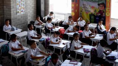 Colegios oficiales inician actividades el 27 de enero