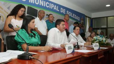 Miembros de la mesa directiva del Concejo.