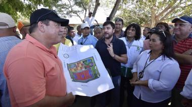 Alcalde anuncia recuperación de cancha y parque en La Esmeralda y San Luis